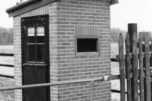 12-11-1993, Entreehokje gebouwd door Jos Bonants, Jan Janssen, Jo van Veghel en Harry Wijenberg