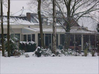 De Wintertuin met serre foto