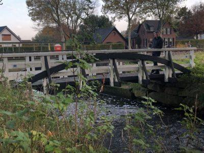 Fiets - Loopbrug naast spoor (2)