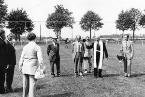 Inzegening voetbalveld door Pater Lodevicus
