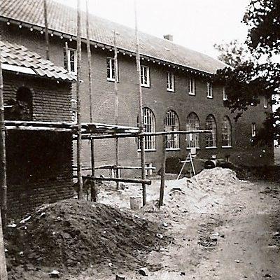Klooster in aanbouw